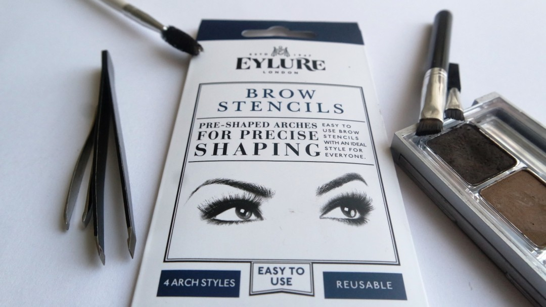 Shaping eyebrows using eyebrow stencils