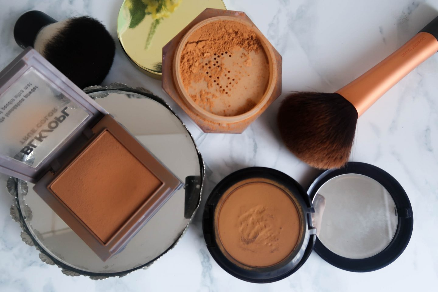Setting powders for dark skin