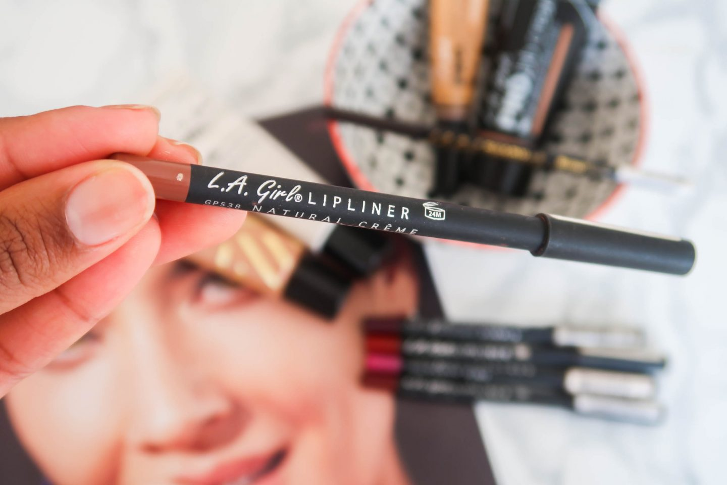 Girl lip liners