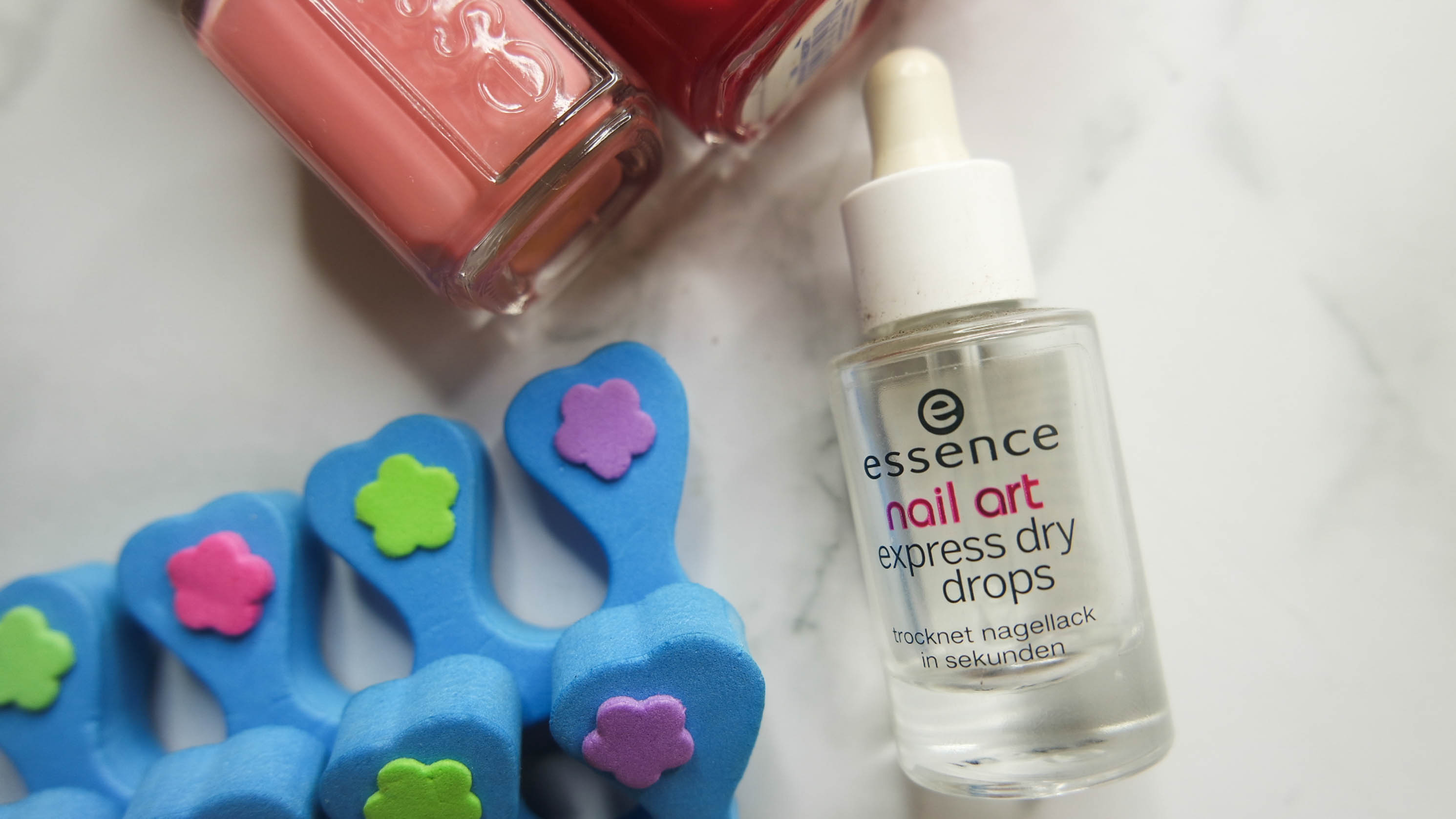 Essence-Nail-Art-Express-Dry-Drops