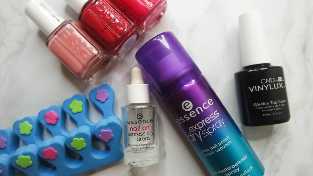 at home manicure: products for fast drying nails