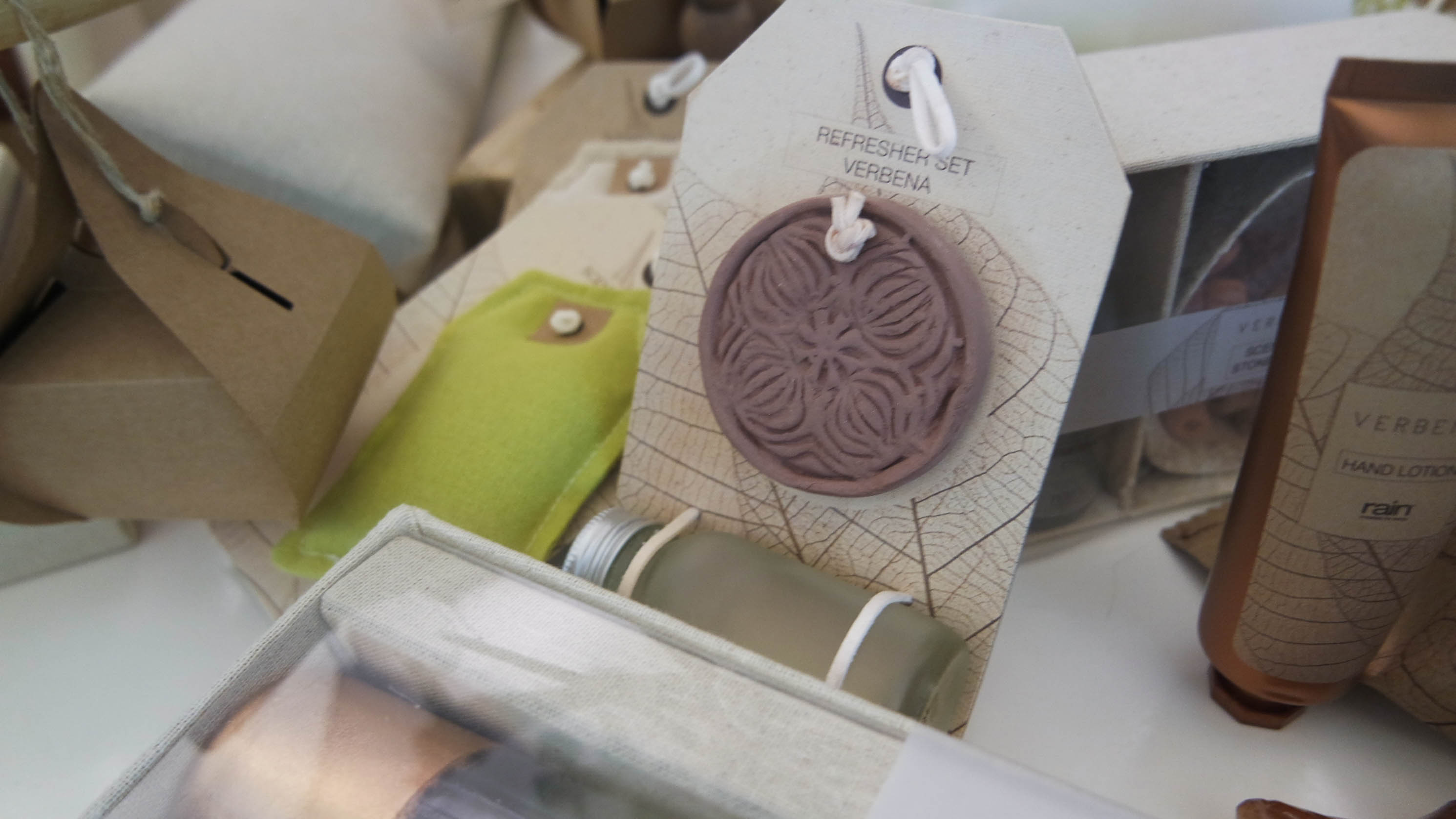 scented clay disc and refresher oil